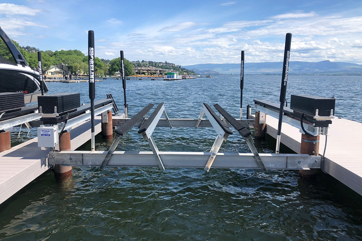 Ask the Experts: What's the Best Boat Lift for Pontoon Boats?