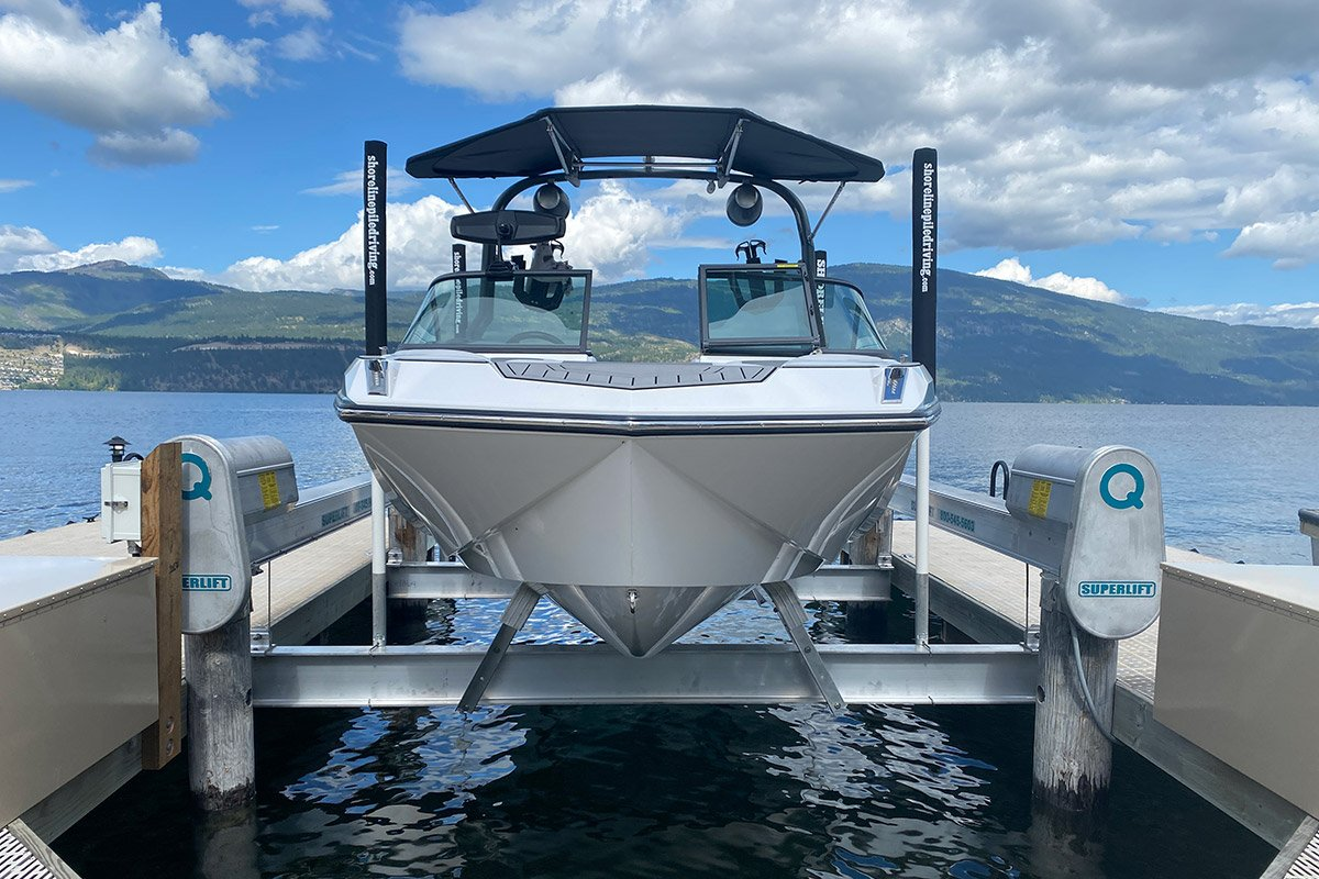 5 Helpful Tips for Loading and Positioning Watercraft on a Boat Lift