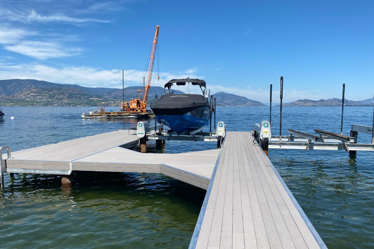 3 Tips for Working with a Professional Boat Dock Builder